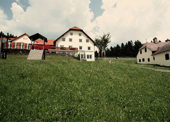 Gasthaus_GIS_Spielplatz_Natur