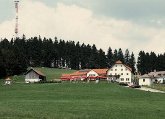 Gasthaus_GIS_draußen_Naturpur